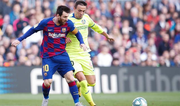 «Барселона» неожиданно проиграла и осталась в кильватере лидеров