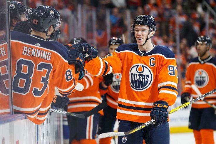 Без Овечкина: в НХЛ назвали пятерку лучших нападающих