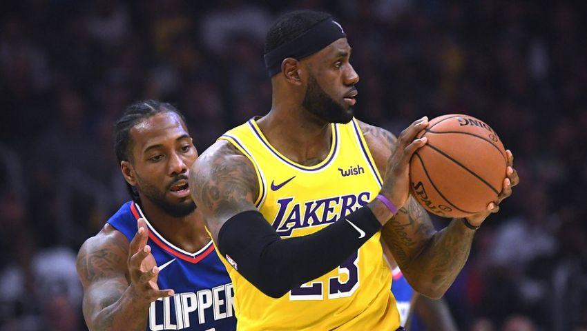 Леброн Джеймс в первом матче сезона НБА получил травму