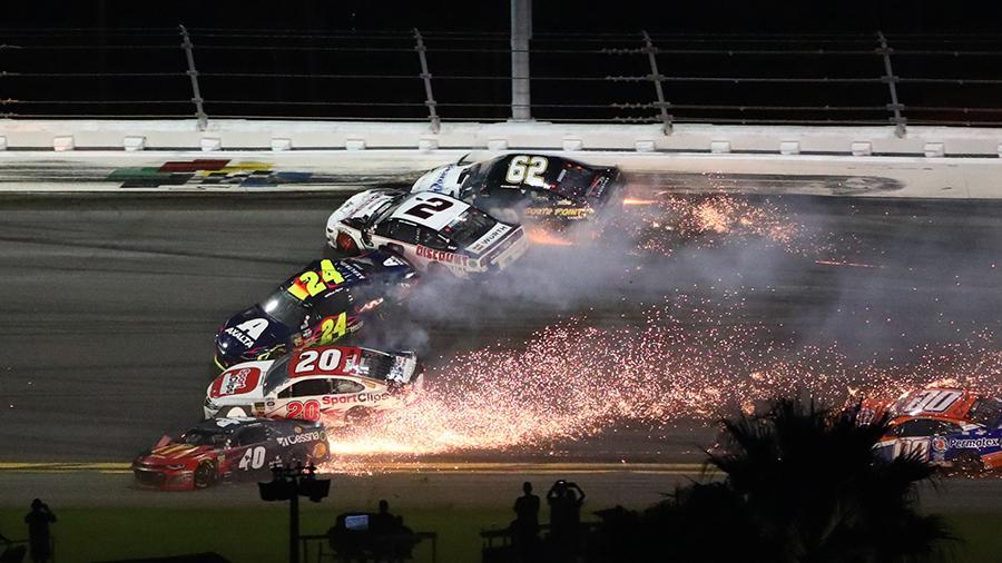 Майкл Джордан станет владельцем гоночной команды NASCAR