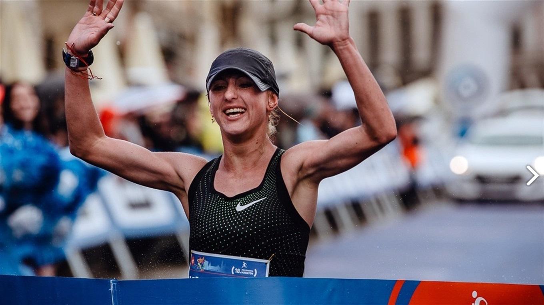 Украинка обошла африканок и с рекордом выиграла марафон