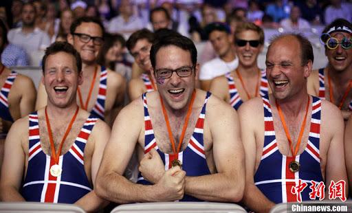 В Англии пустят болельщиков на стадионы