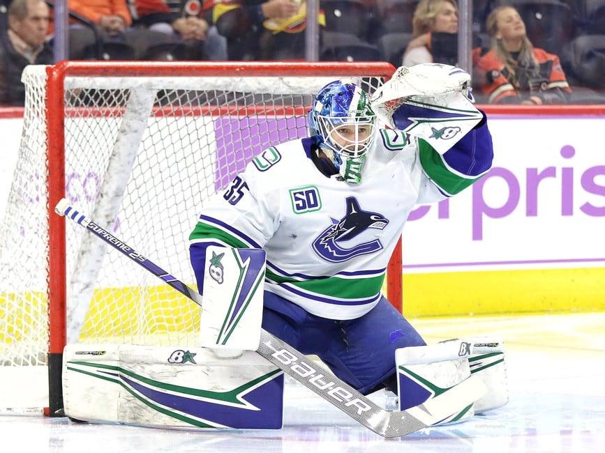 Вратарь-дебютант установил рекорд НХЛ