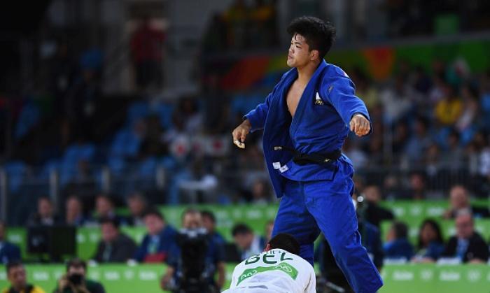 Японский дзюдоист Сехэй Оно выиграл золото по дзюдо в категории до 73 кг
